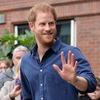 Принц Гарри напишет мемуары о жизни в королевской семье