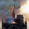 В cоборе Парижской Богоматери произошёл пожар