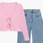 Комбо: Укороченный кардиган и свободные джинсы