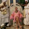 Директор по стилю Vogue Brazil ушла в отставку после обвинений в расизме