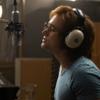Тэрон Эджертон играет Элтона Джона в трейлере «Рокетмена»