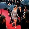 Кристен Стюарт разулась  на красной дорожке Каннского кинофестиваля