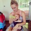 Пост австралийки, отказавшейся кормить грудью, вызвал дискуссию