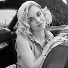 Сидни Суини — героиня кампании Guess Originals, посвящённой Анне Николь Смит