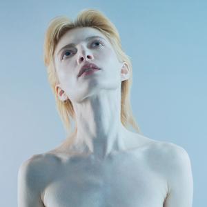 Стеклянные люди: Фотопроект Кати Яновой о меланхолии