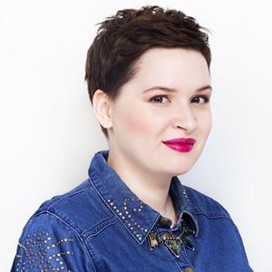 Бьюти-блогер Эльвира Чабакаури о косметике, интернете и внешности