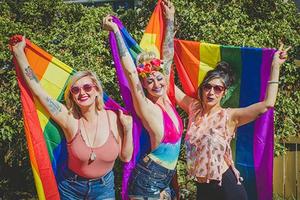 На кого подписаться: Радужные ЛГБТ-хештеги в инстаграме