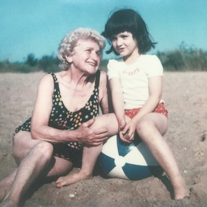 Лайфхак для внуков: 11 семейных историй о долгожителях