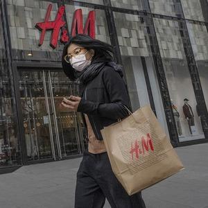Как Китай «запрещает» бренды, которые отказались от синьцзянского хлопка