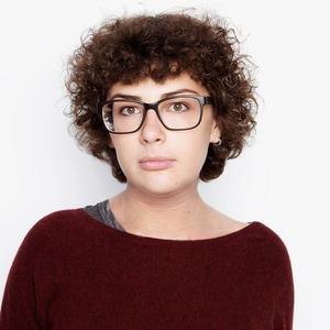 Социолог Полина Колозариди о специальном уходе и любимой косметике