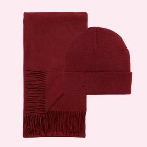 Полный комплект: Шапки и шарфы на холода