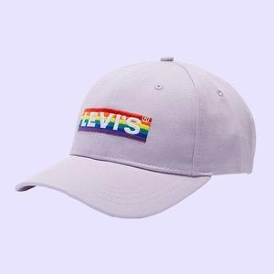 11 действительно стоящих ЛГБТ-подарков в месяц прайдов