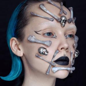 Содранная кожа да кости: 5 идей визажистов для макияжа на Хэллоуин