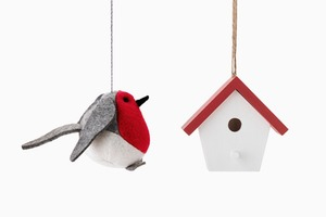 Елочные игрушки IKEA:  Квартет снегирей  и домики для них