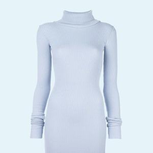 В рубчик: 8 трикотажных платьев от простых до роскошных