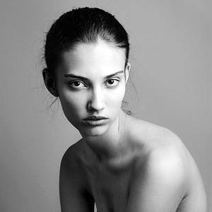 Дана Тейлор, модель, начавшая с эксклюзива Calvin Klein