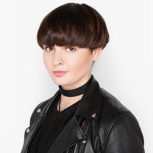 Парикмахер Екатерина Конорева об уходе за волосами и косметике