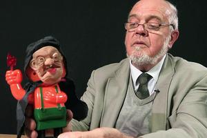 На кого подписаться: Британский коллекционер игрушек
