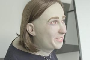 «Такими вы будете через 20 лет»: В соцсетях обсуждают манекен офисной сотрудницы Эммы