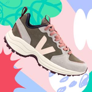 Кроссовки и спортивные сандалии на весну: Выбор сникерхедов