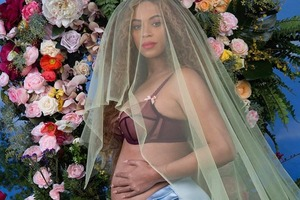 Бейонсе рассказала,  что беременна двойней