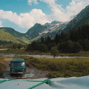 Сплавы, походы и дайвинг: Разные люди о том, как этим летом путешествуют по России