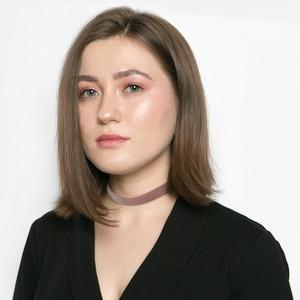 Журналистка Настя Синицына о самооптимизации и любимой косметике