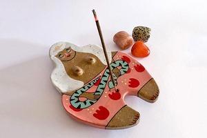 На кого подписаться: Яркая керамика Лори Мелиа