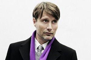 Мадс Миккельсен против Шайи ЛаБафа в промо «Влюбиться до смерти»
