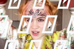 Видео дня: Grimes показывает, как сделать макияж с фейс-артом