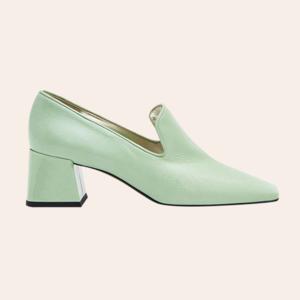 От челси до золотых босоножек: 25 пар обуви на весну