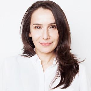 Директор Paperworks Gallery Елена Баканова  о своей косметике