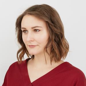 Сценаристка Анна Карпова о трудной работе и любимой косметике