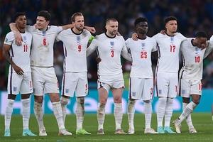 Футболисты сборной Англии столкнулись с расизмом после поражения на Евро-2020