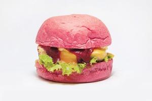 KFC ввели в меню розовые бургеры — угадайте,  для кого