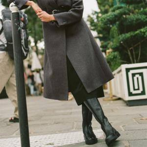 Что носить осенью: 8 пальто и сапог к ним