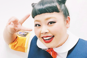 Новое имя: Бодипозитивная японская комедиантка Наоми Ватанабэ