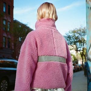 Мягкий, тёплый, пушистый: Как флис стал материалом года