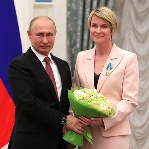 Что мы знаем о Елене Шмелёвой — одной из самых влиятельных женщин в окружении Путина