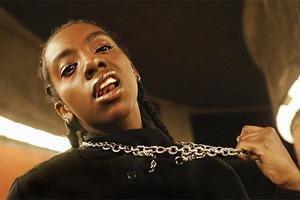 Новое имя:  Небинарный певец и актёр из Судана Дуа Сале