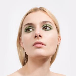 Монохромный макияж: 5 эффектных образов