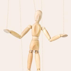Чеклист: 5 признаков того, что вы манипулируете людьми