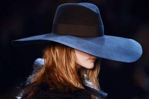 Парижская неделя моды: Показы Stella McCartney, Chloe, Saint Laurent, Giambattista Valli