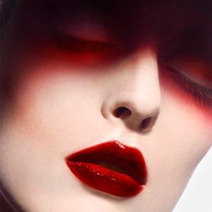 Цвет сезона: Красный на глазах, бровях и губах