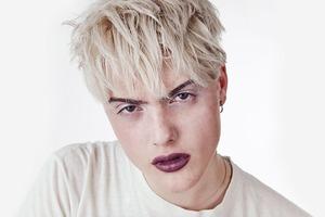 На кого подписаться: Трансгендерная модель Касил Макартур