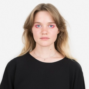 Художница Соня Борисова о бодипозитиве и любимой косметике