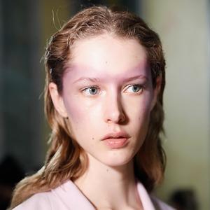 Дьявол в деталях: Лучшие арт-макияжи из Лондона и Милана