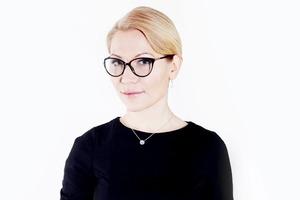 Алена Попова подает в суд на Александра Гордона  за унижение женщин