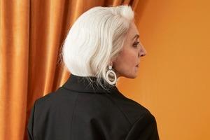 60-летняя модель снялась  в лукбуке Monki