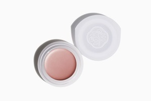 Пастельные кремовые тени Shiseido Paperlight